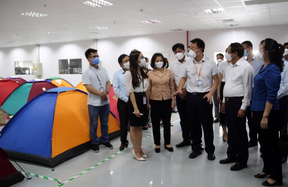 Phó Thủ tướng Lê Văn Thành kiểm tra công tác chống dịch tại Bắc Ninh