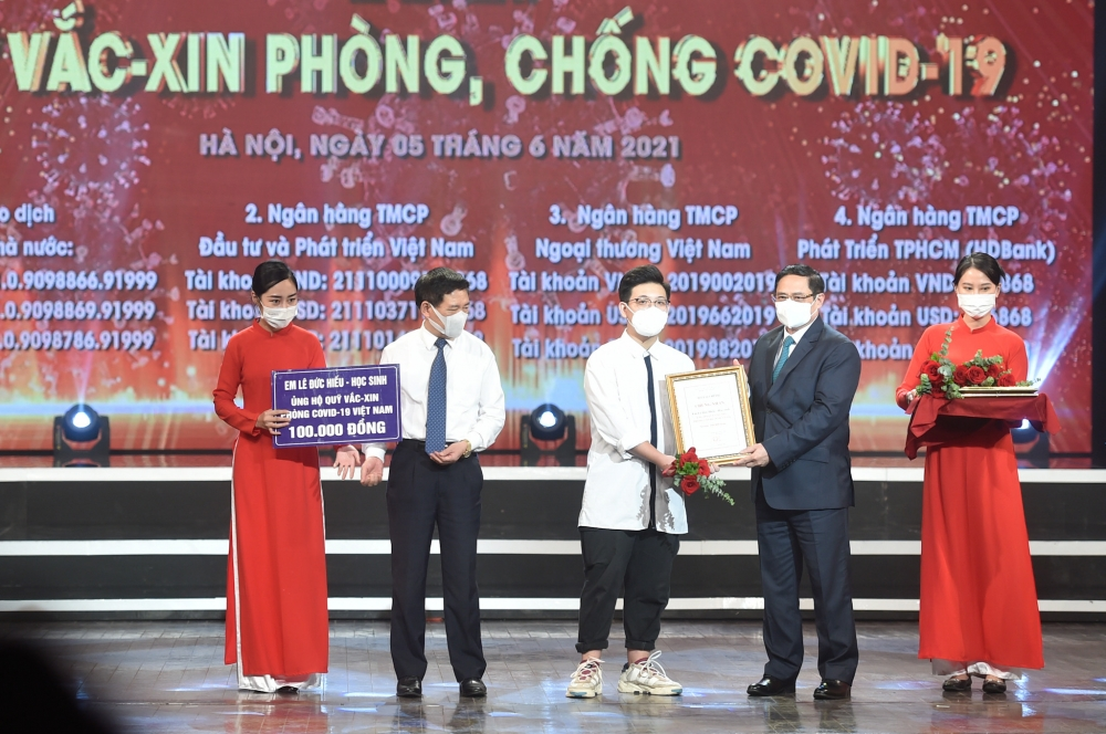 Thủ tướng Phạm Minh Chính: Trân trọng mọi đóng góp, huy động mọi nguồn lực để sớm có vắc xin cho nhân dân