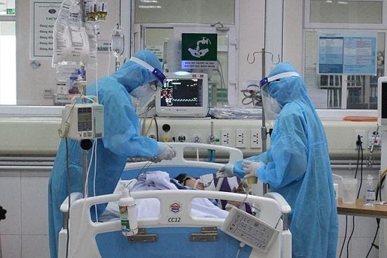 Thủ tướng khen 32 thầy thuốc tiêu biểu, xuất sắc trong phòng, chống dịch Covid-19