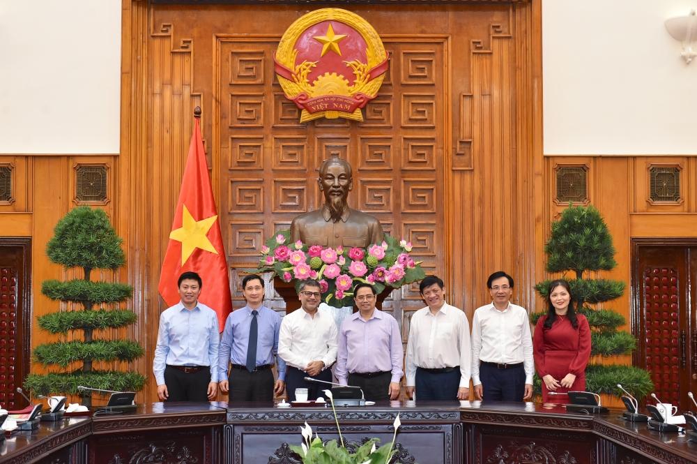Thủ tướng làm việc gấp với Tập đoàn AstraZeneca để đưa vắc xin về Việt Nam sớm nhất có thể