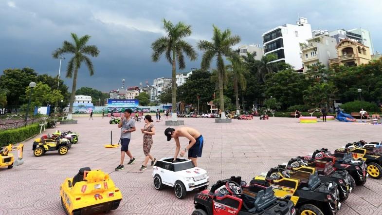 Phố đi bộ Trịnh Công Sơn thưa thớt ngày cuối tuần