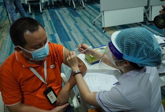 Bộ Y tế hỗ trợ các địa phương, doanh nghiệp tiếp cận nguồn vắc xin phòng Covid-19
