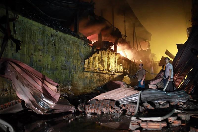 Nhiều phương tiện phải có văn bản thẩm duyệt về phòng cháy và chữa cháy