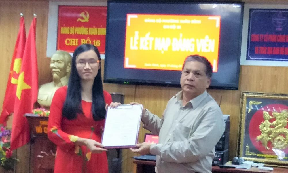 Góp phần tăng thêm sức mạnh cho tổ chức Đảng