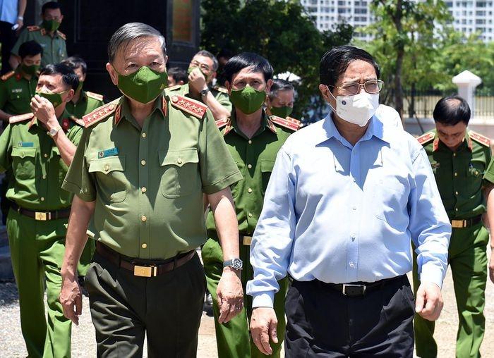 Thủ tướng Phạm Minh Chính tới thăm và làm việc với Viện Khoa học hình sự