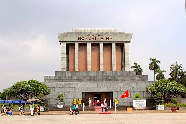 Thủ tướng Phạm Minh Chính: Bảo vệ Lăng Chủ tịch Hồ Chí Minh xứng đáng với tình cảm của dân tộc dành cho Bác Hồ kính yêu