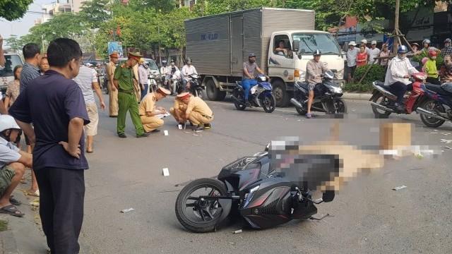 Va chạm với xe bồn, người đàn ông đi xe máy tử vong tại chỗ