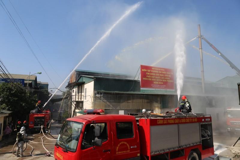Huyện Đan Phượng: Tổ chức diễn tập phương án phòng cháy, chữa cháy