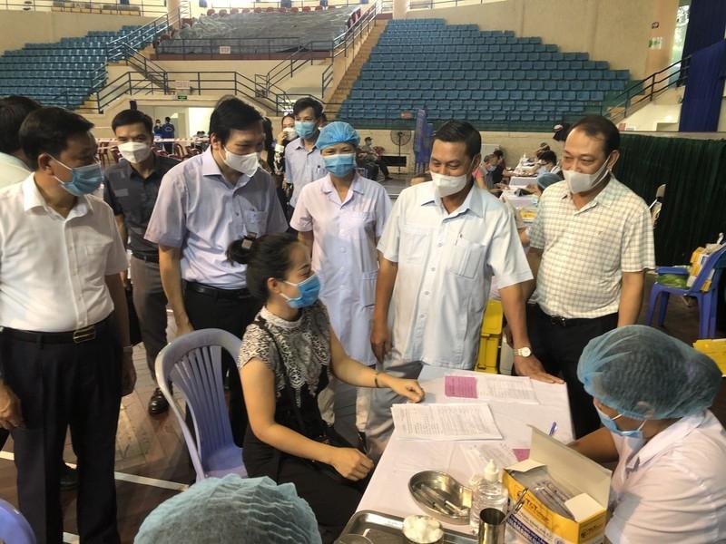 Nhiều tỉnh, thành tiêm vắc xin Vero Cell của Sinopharm