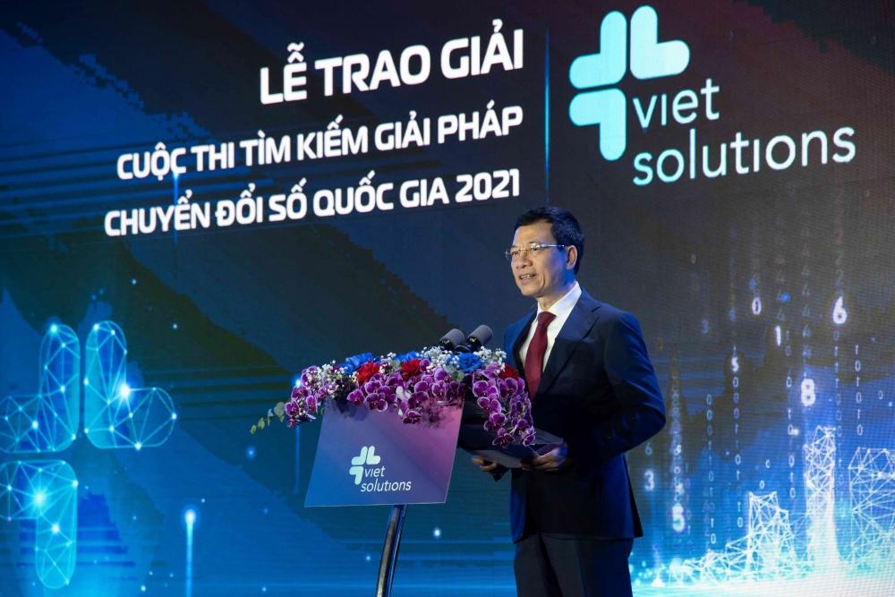 Viet Solutions công bố nhà vô địch và phát động mùa giải mới