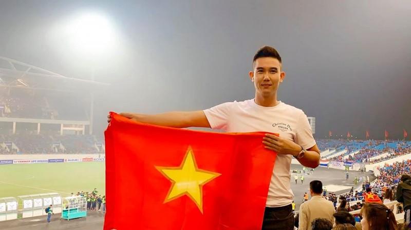 Cổ động viên kéo về sân Mỹ Đình cổ vũ đội tuyển Việt Nam