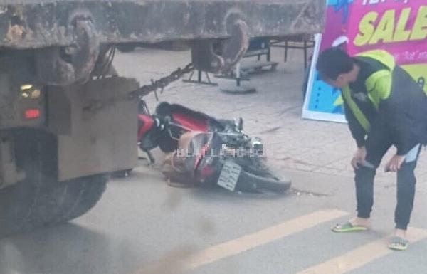 Thai phụ tử vong trên đường về quê sau khi va chạm với xe tải