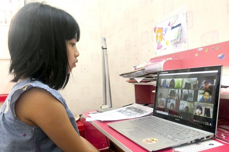 Hà Nội cho học sinh nghỉ từ 1/2, học online để phòng dịch Covid - 19