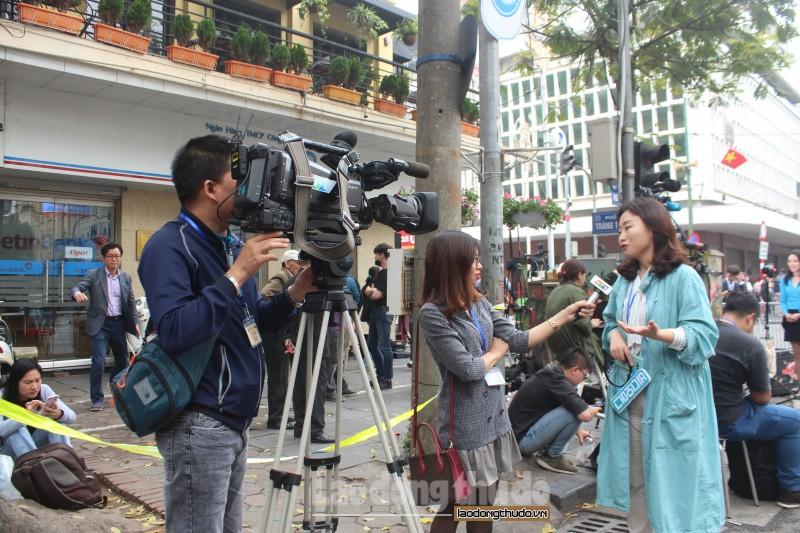 Phóng viên nước nhà trực xuyên trưa săn tin Hội nghị thượng đỉnh Mỹ - Triều