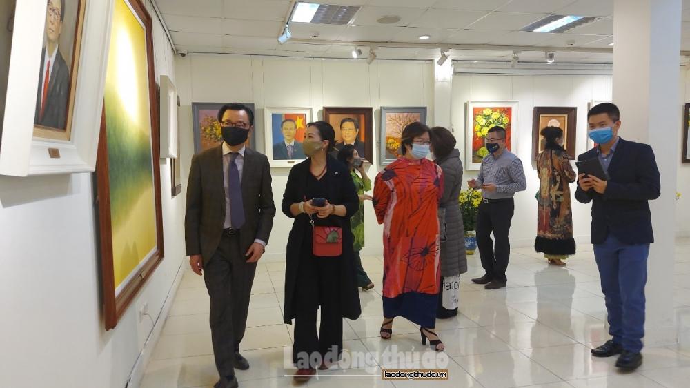"""Trưng bày hơn 40 bức tranh tại triển lãm """"Đất nước vào xuân thời cơ mới – Vận hội mới"""""""