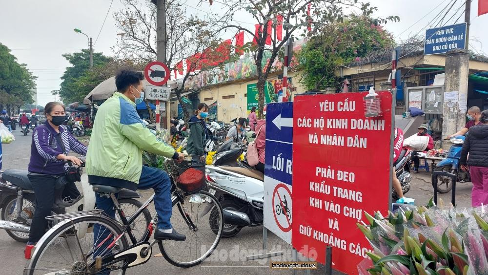 Nâng cao ý thức phòng, chống dịch Covid-19 tại các chợ dân sinh