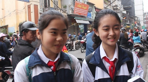 Học sinh đua nhau tôn sùng Khá Bảnh: Sự hâm mộ lệch chuẩn?