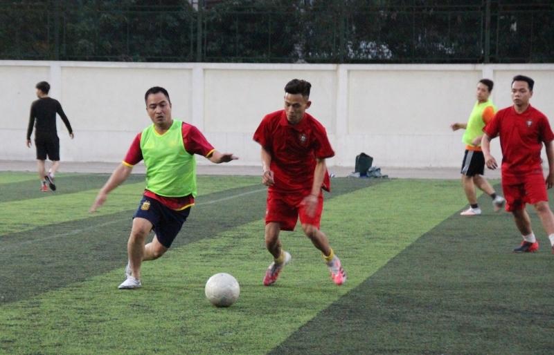Giao hữu bóng đá giữa Đoàn Thanh niên báo Lao động Thủ đô và Quận đoàn Đống Đa
