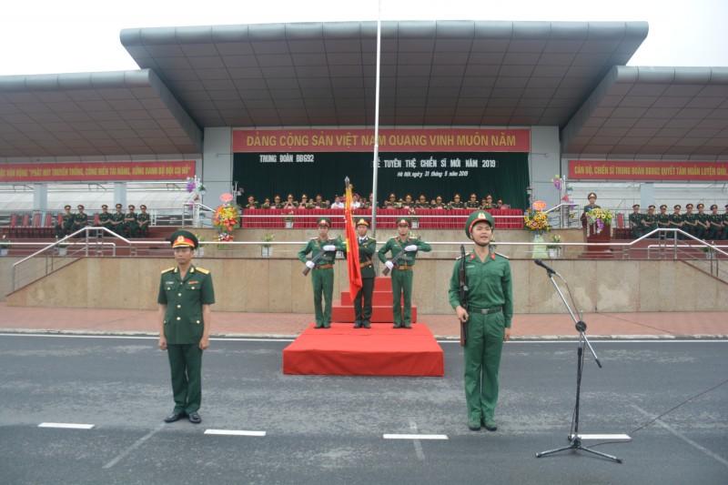 Trung đoàn 692 tuyên thệ chiến sĩ mới năm 2019