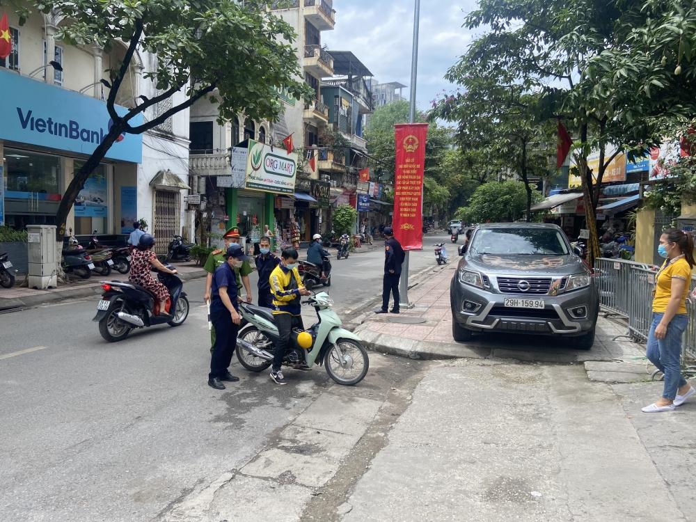 Quận Ba Đình: Tăng cường các biện pháp bảo đảm trật tự an toàn giao thông, trật tự đô thị