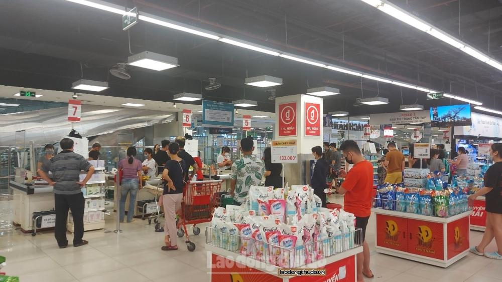 Hà Nội: Các siêu thị lắp tấm chắn giọt bắn mi ca, nâng cao ý thức phòng, chống dịch Covid-19