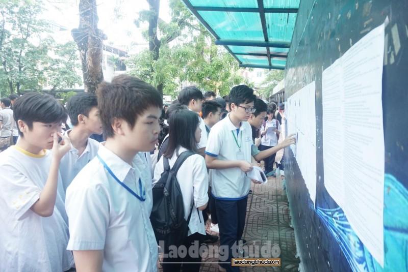 Gần 86.000 thí sinh Hà Nội làm thủ tục dự thi vào lớp 10 THPT