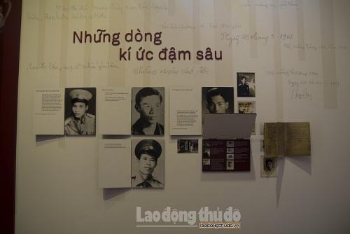 """Xúc động những hình ảnh trong triển lãm ảnh """"Ký ức về liệt sĩ làng Lai"""""""