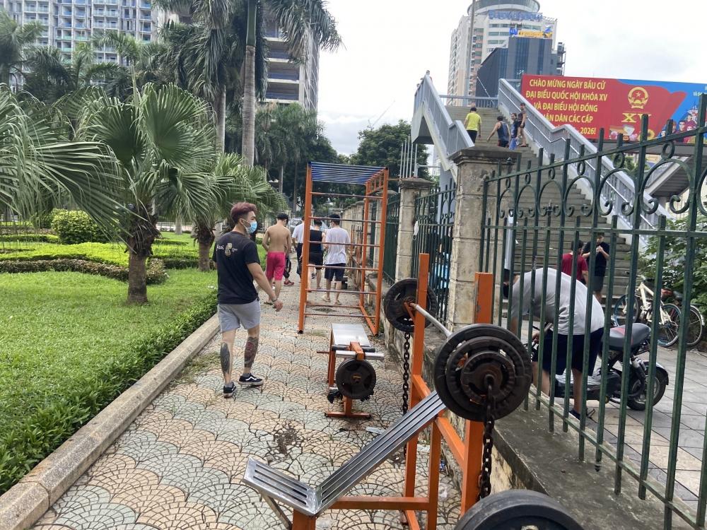 Hà Nội: Lực lượng chức năng siết chặt quy định dừng hoạt động thể dục, thể thao ngoài trời