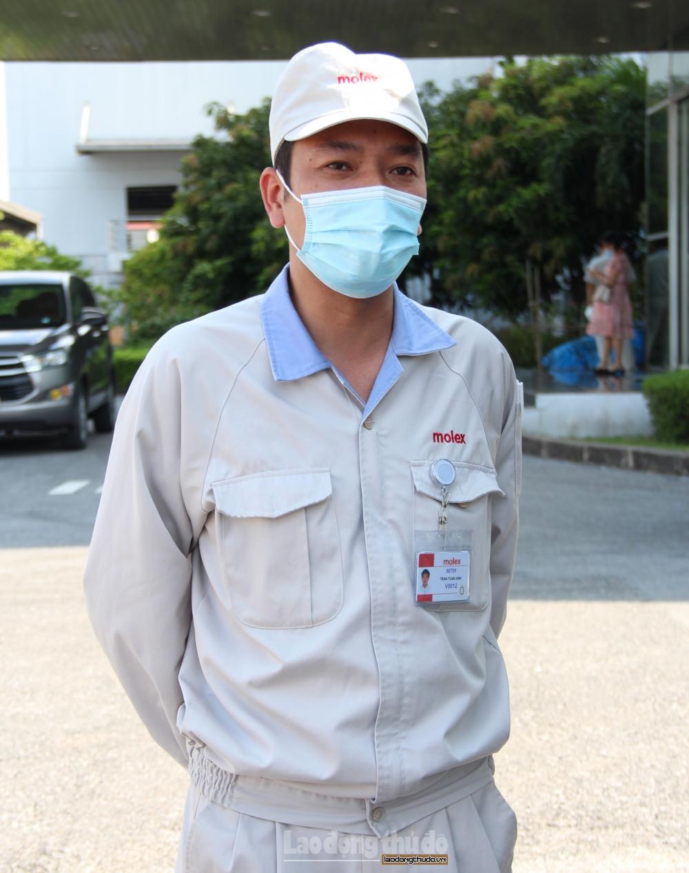 Trao các nhu yếu phẩm thiết yếu cho 466 công nhân lao động đang cách ly vì dịch Covid-19