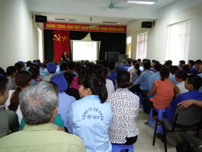 Tư vấn pháp luật và truyền thông dân số cho nữ công nhân lao động