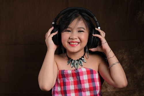 Cô bé với niềm đam mê dân ca quan họ xứ Kinh Bắc
