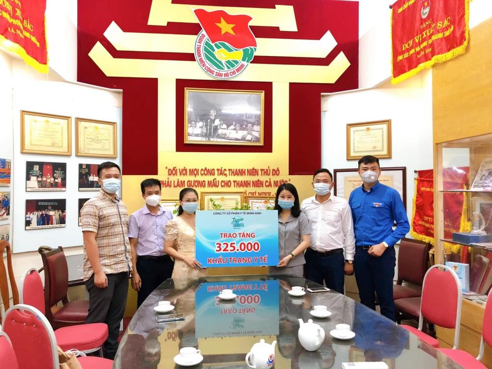 325000 khau trang dat chuan san sang tiep suc mua thi