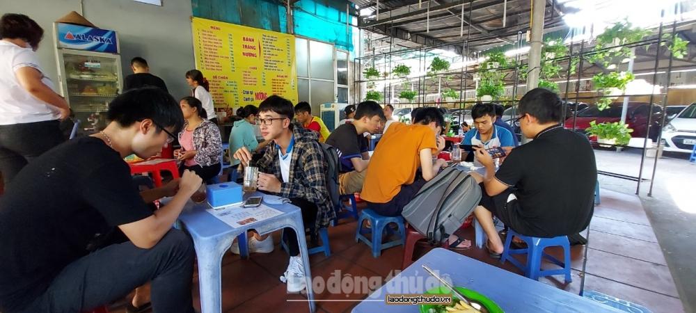 Nhiều người dân Hà Nội vẫn chủ quan với dịch bệnh