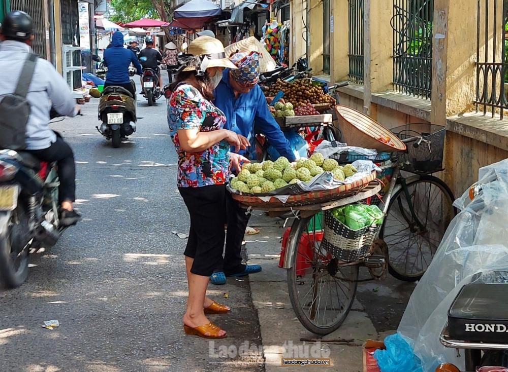 Đặc sản na Đồng Bành vào vụ tràn ngập chợ dân sinh và chợ mạng