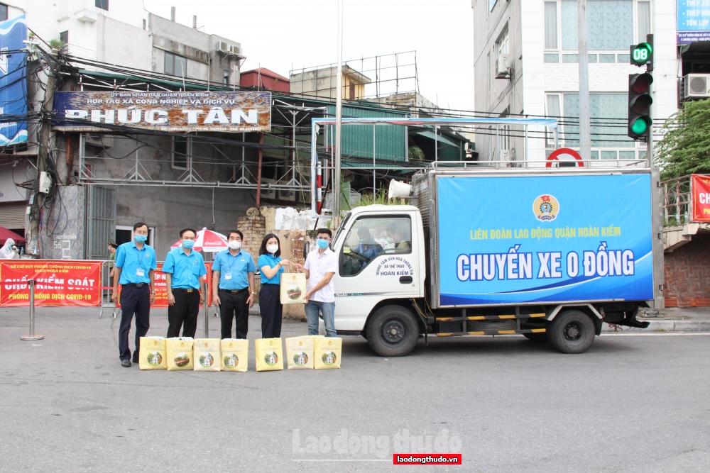 Đoàn viên, người lao động quận Hoàn Kiếm ấm lòng vì được hỗ trợ kịp thời