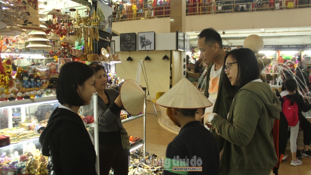 Phát triển kinh tế gắn với xây dựng người Hà Nội thanh lịch, văn minh