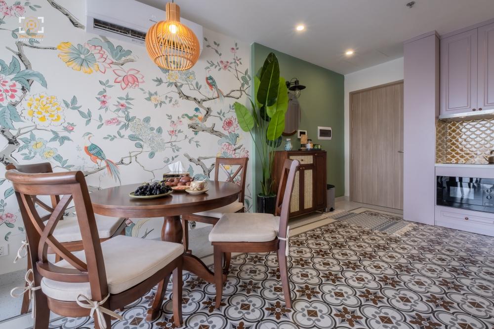 """""""Thay áo mới"""" cho căn hộ 74m2 với phong cách Indochine mix Tropical"""