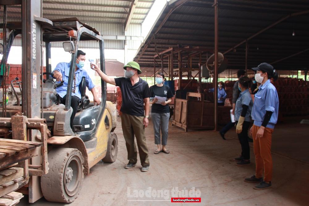 Huyện Mê Linh doanh nghiệp phấn khởi sản xuất trong điều kiện an toàn phòng, chống dịch