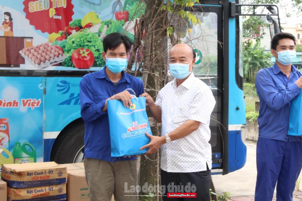 """500 túi """"Túi An sinh Công đoàn"""" đến với người lao động ngành Nông nghiệp Hà Nội"""