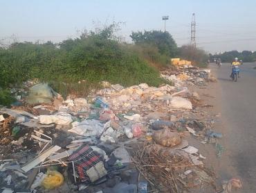 Đường đi hóa bãi tập kết rác