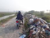 Nghịch lý điểm tập kết rác thải đã có mà rác vẫn ngập đường