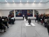 Trưng bày hơn 200 tác phẩm tranh lụa và điêu khắc kích thước nhỏ
