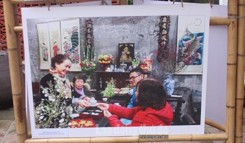 """Triển lãm ảnh """"Hoài niệm"""" – nơi lưu giữ nét đẹp Hà Nội xưa"""