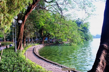 Vẻ đẹp yên bình trên Hồ Hoàn Kiếm