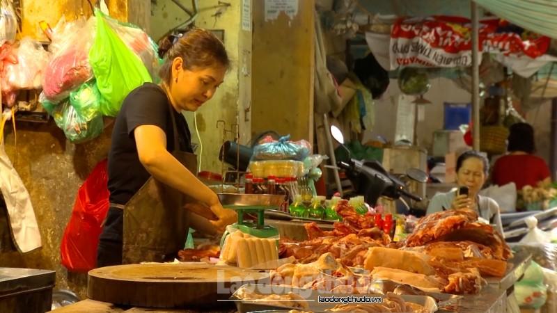 Thịt lợn tăng giá đột biến, thương buôn và người tiêu dùng lo lắng