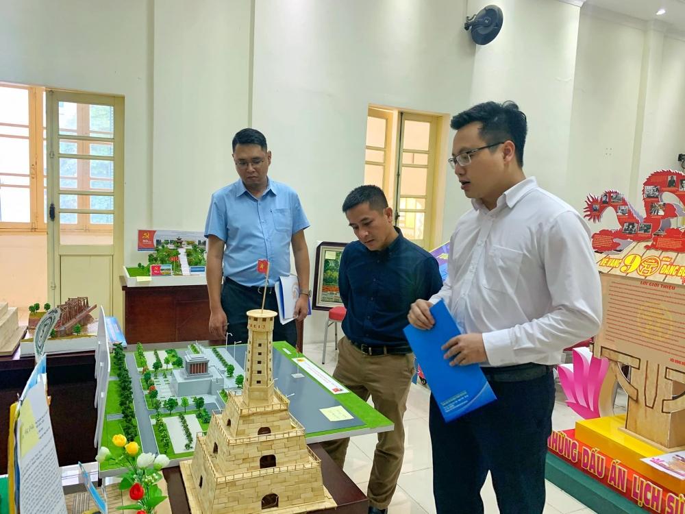 """Công bố kết quả Cuộc thi thiết kế mô hình """"Tìm hiểu 90 năm lịch sử Đảng bộ thành phố Hà Nội"""""""