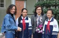 Tặng danh hiệu người tốt việc tốt cho 2 học sinh quận Long Biên