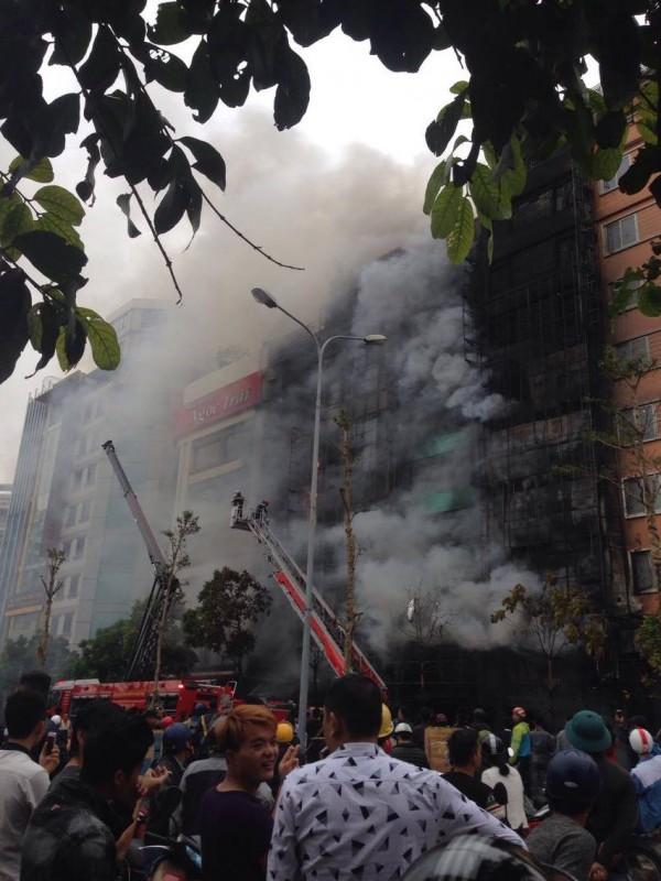 Cháy lớn trên đường Trần Thái Tông, Hà Nội