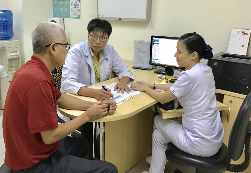 Tự ý dùng thuốc gia truyền, bệnh nhân bị tiểu đường nặng hơn