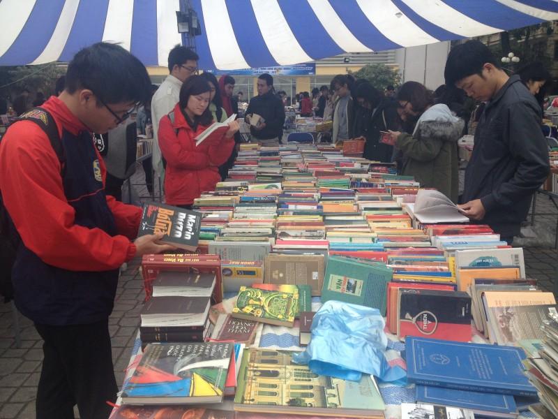 Hàng triệu cuốn sách giá rẻ đến tay độc giả